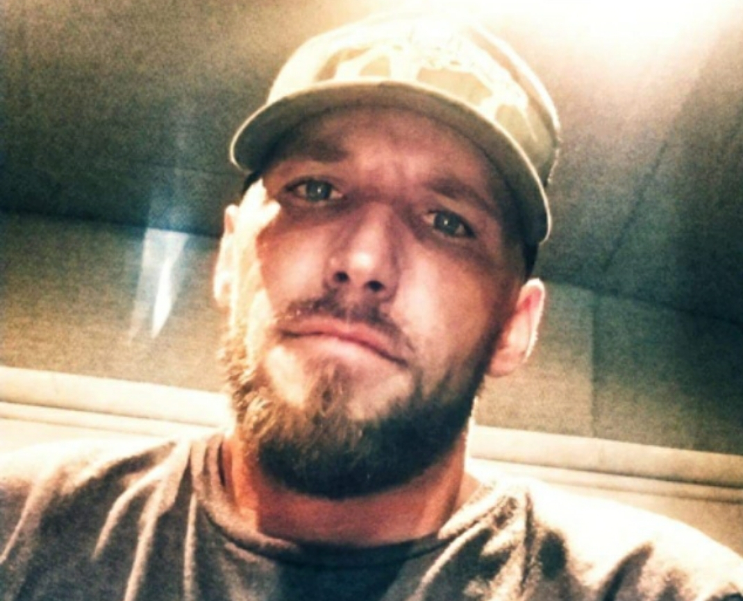 Allegedly is a meth head, and has a small peepee.