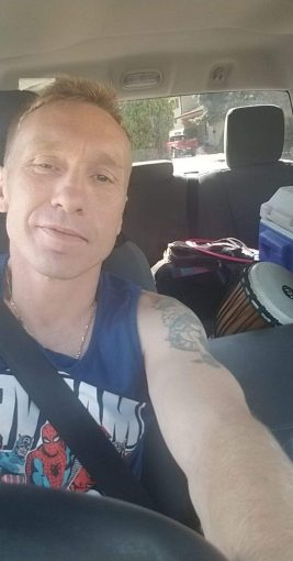Michael Paseska — Woman Beater Thief Scammer.